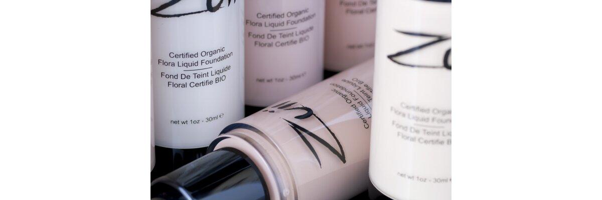 Das Bio-zertifizierte flüssige Make-up von ZUII...